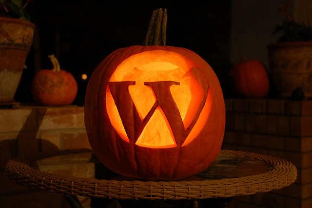 wordpress.org advantages over wordpress.com
