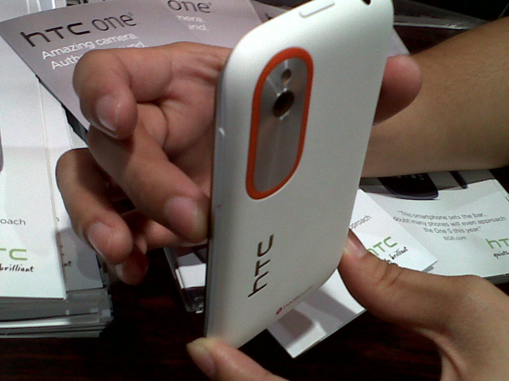 HTC Desire V Back VIew