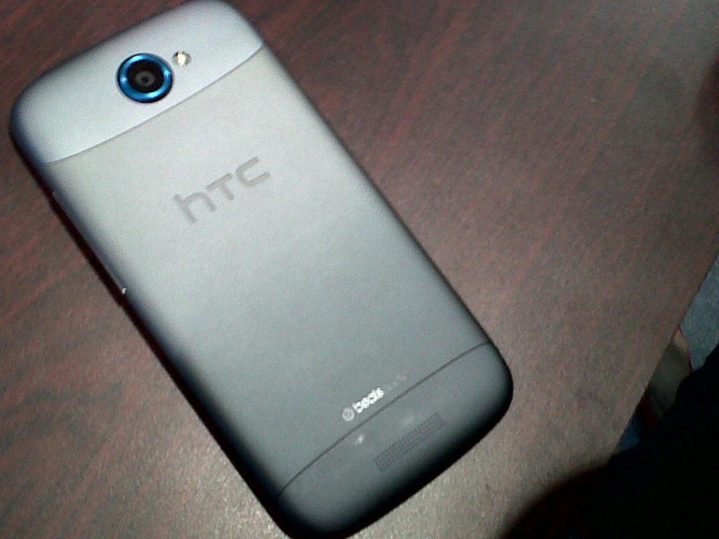 HTC One S Pics