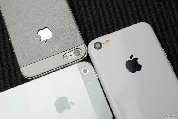 Apple-iPhone-5S-Apple-iPhone-5C-2