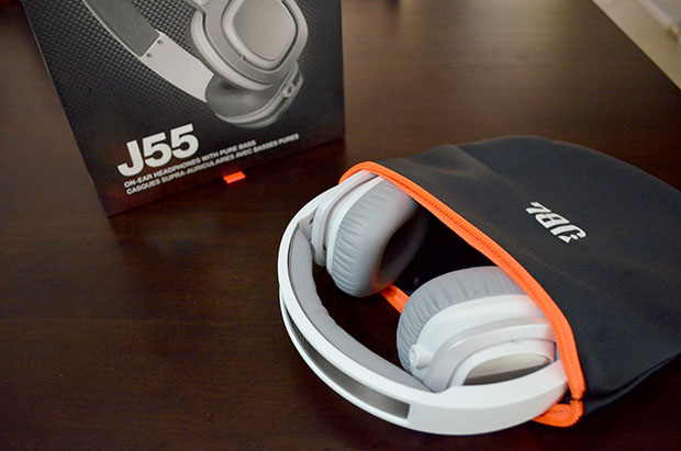JBL J55 with Carrying Pouch