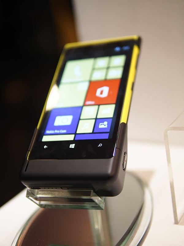 Nokia Lumia 1020 Price, Specs, Features