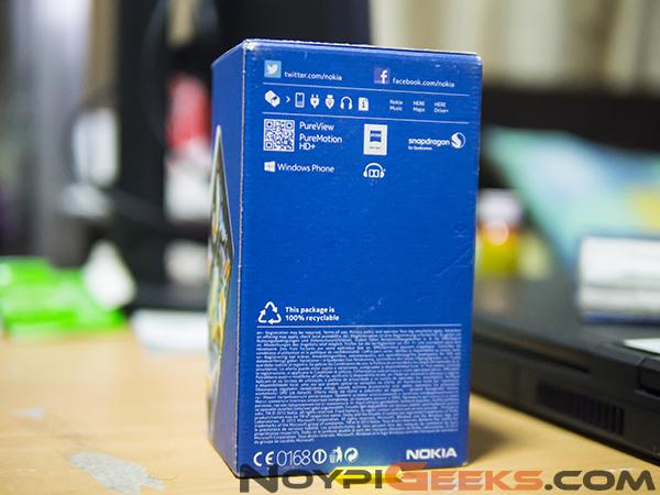 Box of Lumia 1020
