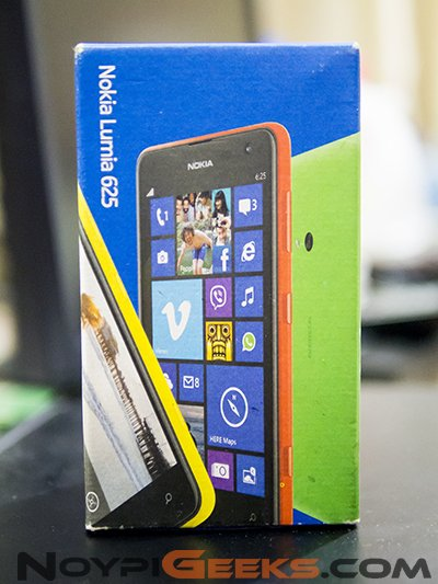 Nokia Lumia 625 Box