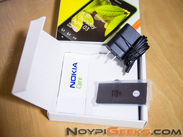 Lumia-630-Accessories-Charger