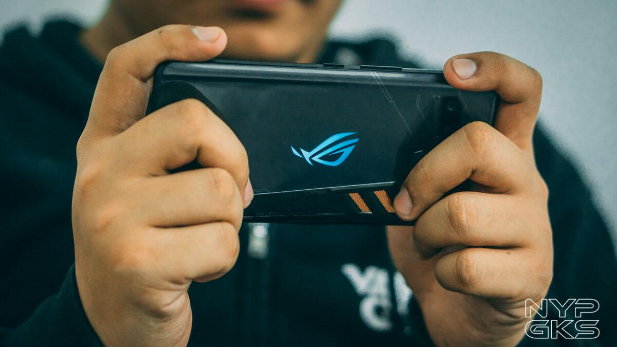 ASUS-ROG-Phone-gaming