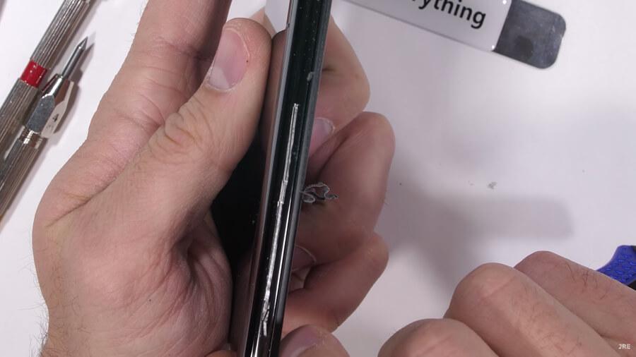 Xiaomi-Mi-Mix-3-durability-test-3