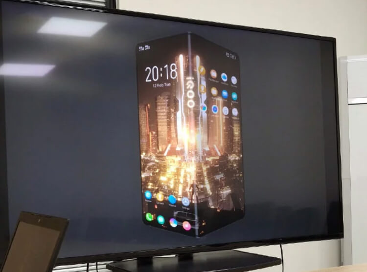 Vivo-iQOO-foldable-phone-2