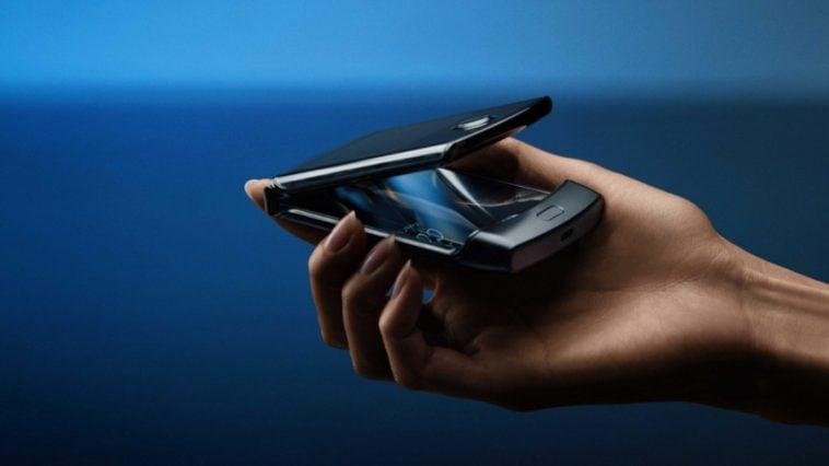 Motorola-Razr-foldable-phone-5718