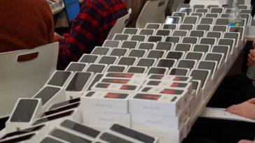 Japan-free-iPhones-covid-19