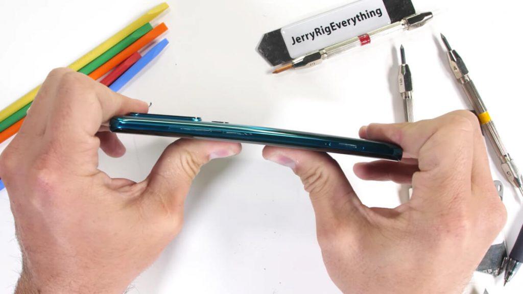 Xiaomi-Mi-Note-10-Duability-test-NoypiGeeks-5404