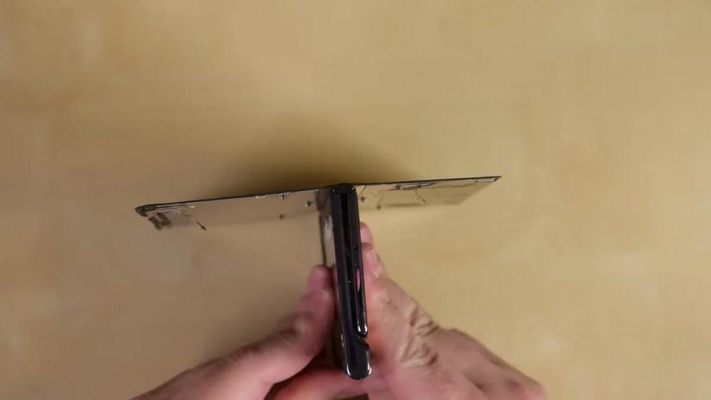 Huawei-Mate-Xs-teardown-NoypiGeeks-5569