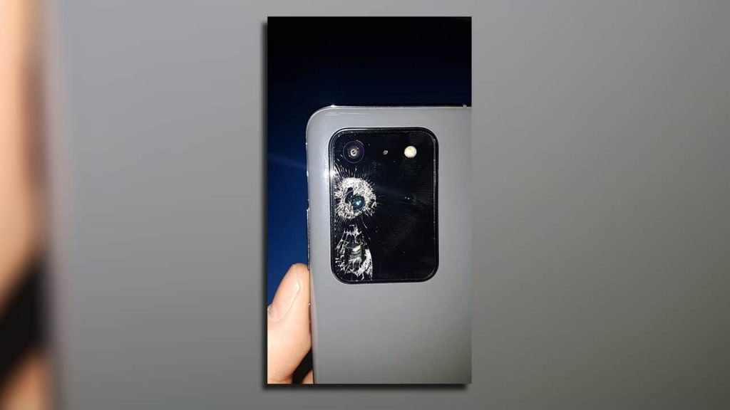 Samsung-Galaxy-S20-Ultra-camera-glass-shattering-NoypiGeeks-5492