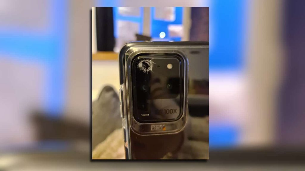 Samsung-Galaxy-S20-Ultra-camera-glass-shattering-NoypiGeeks-5495