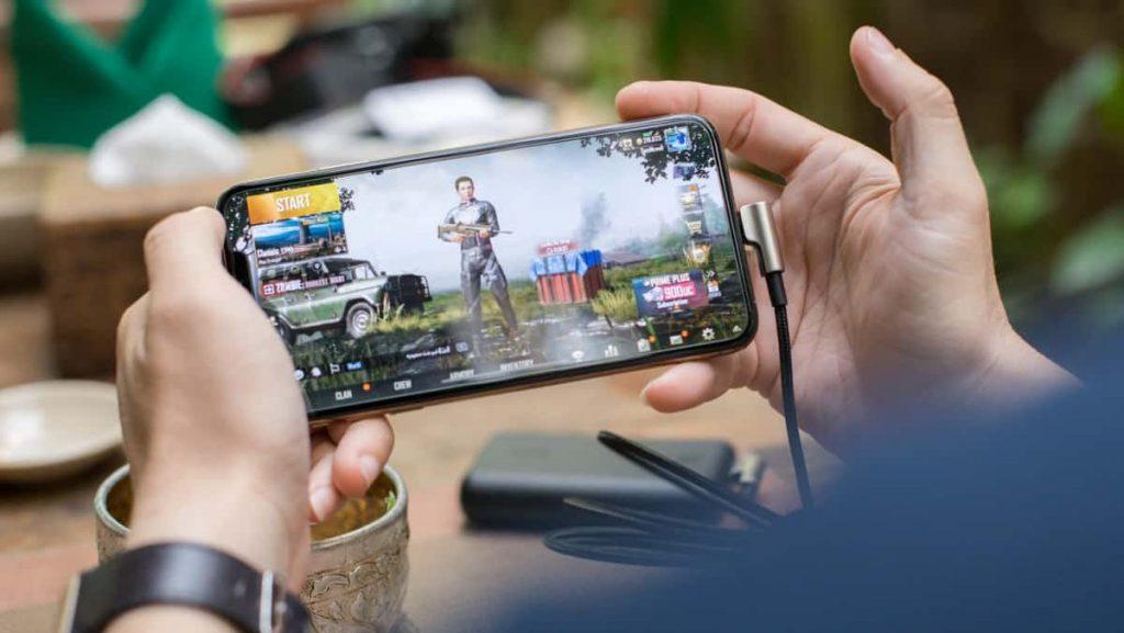 Online-gaming-2859