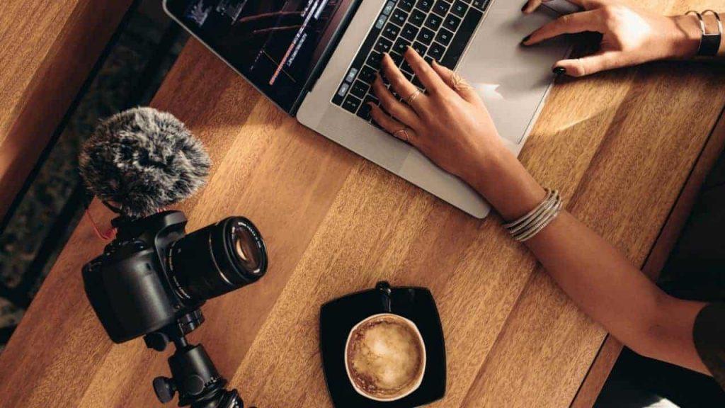 Vlogging-blogging-5291