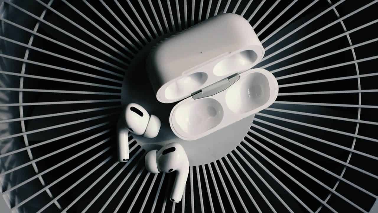 Apple-AirPods-58210