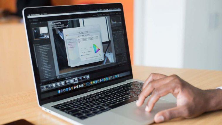 MacBook-8921