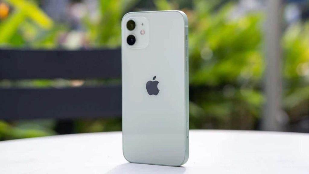 iPhone-12-0192